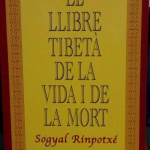 Versión catalana del libro LLIBRE TIBETÀ DE LA VIDA I LA MORT